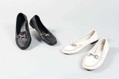 Salvatore FERRAGAMO  Lot de deux paires de...
