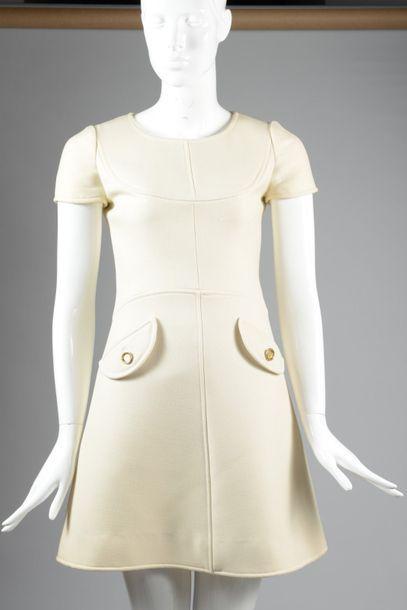 COURREGES Couture Printemps/Été 1966 n°D3604...