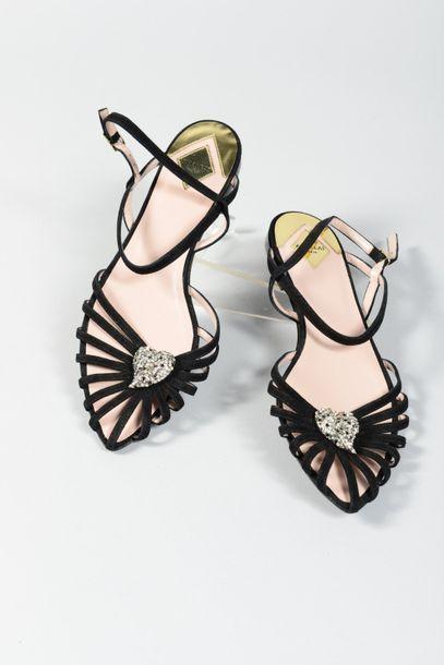 APERLAI  Paire de sandales à brides en daim...