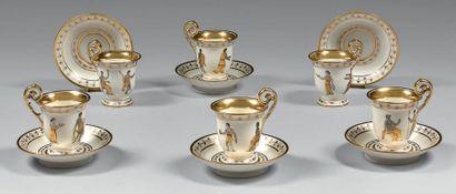 Six tasses à café et leurs sous-tasses en...