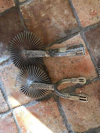 Paires d'éperons mexicains Longueur: 22cm...