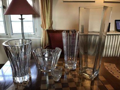 Lot de vases en verre et verre taillé Ref...