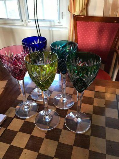 Partie de services de verres en cristal de...
