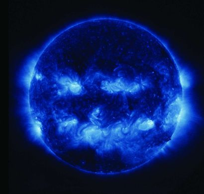 48 NASA Observation de la lumière ultra-violette...