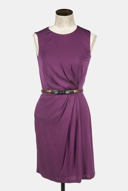 GUCCI : robe sans manche en soie aubergine,...