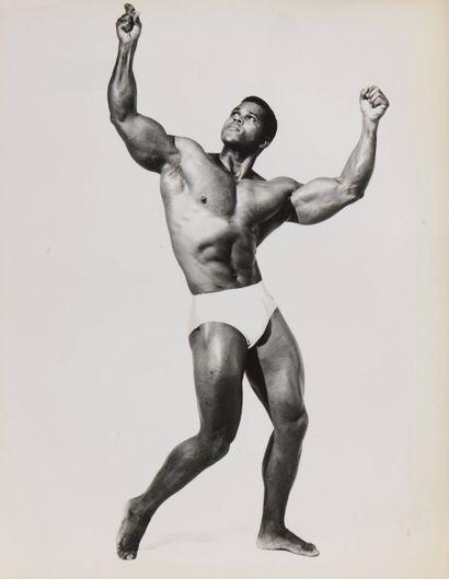 13 Lilo KORENKAK (XXe siècle) Serge Nubret...