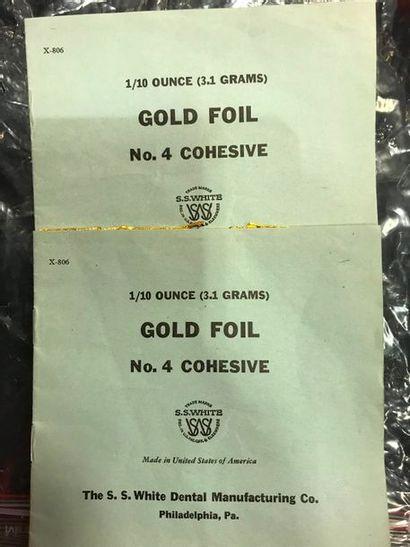 2 carnets de feuilles d'or. Pb: 3.2 grs
