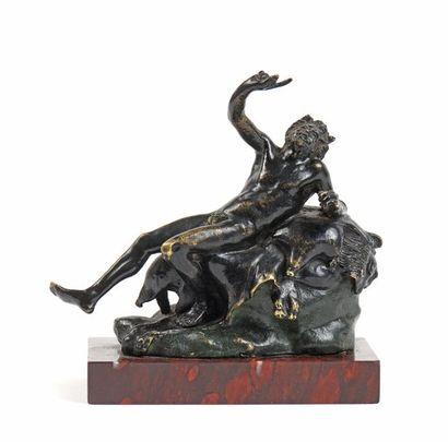 12 D'après l'antique Le faune ivre Bronze...