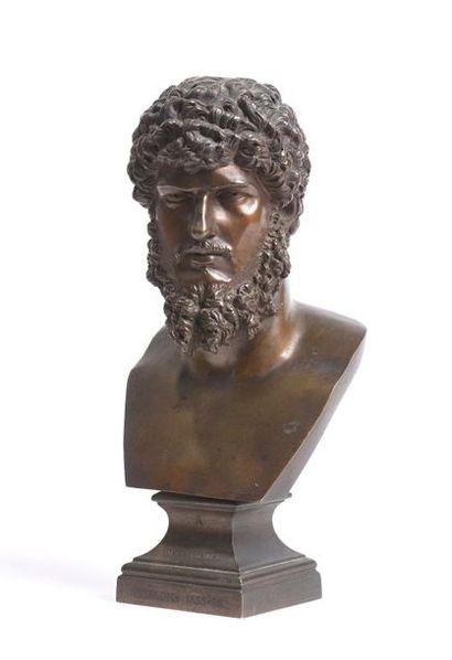 16 Buste d'empereur romain Bronze à patine...