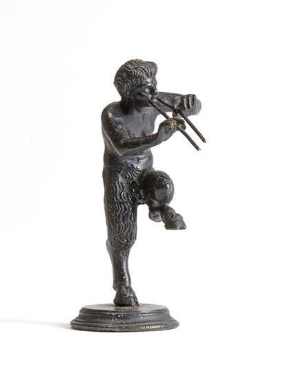 20 Satyre à la double flûte Bronze à patine...