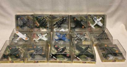 PLAYME(fabrication espagnole): 16 avions...