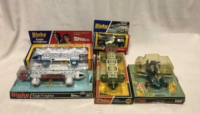 DINKY TOYS: lot d'engins spatiaux tels que...