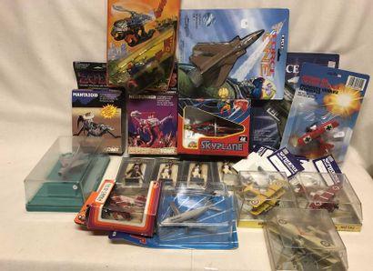 PLAYMEet divers: lot d'avions dont fabrication...