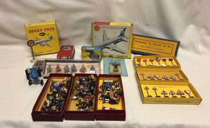 DINKY TOYS – HORNBY: BOEING 707 VICKERS...