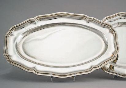 Plat ovale en argent (950/1000e), modèle...