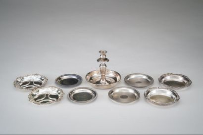 Lot en métal argenté comprenant un grand...