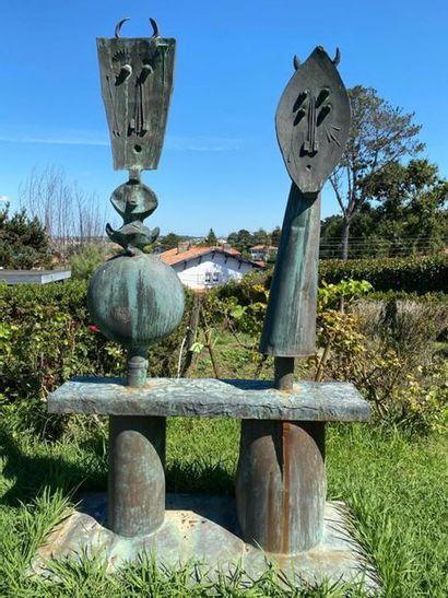 Joël ROUX (né en 1948) Couple de minotaures Sculpture en métal patiné. H : 260 cm...