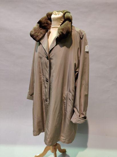 *Anomyme  Pelisse 9/10 en nylon soie mastic,...