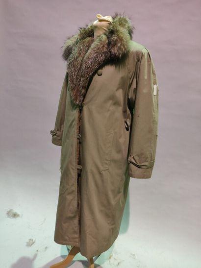 *Anonyme  Pelisse en coton mastic doublure...