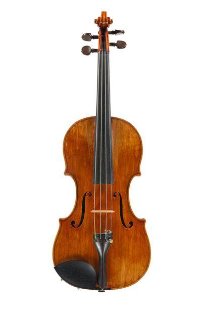 Très joli violon fait dans l'inspiration...