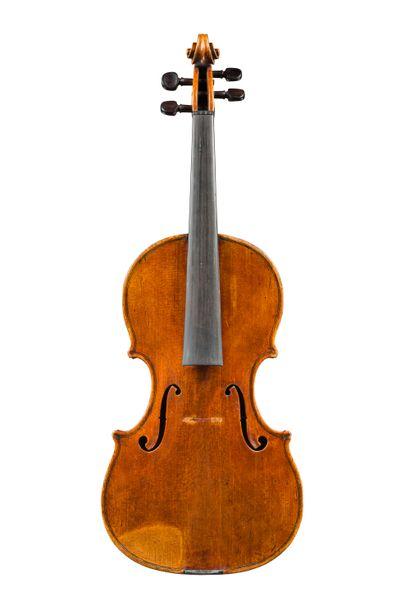 17. Très intéressant violon fait par Enrico...