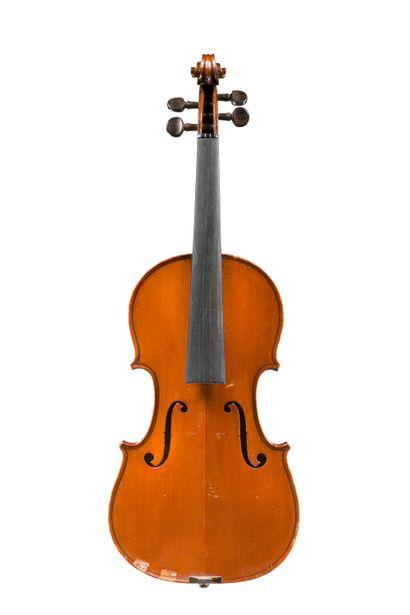 19. Joli violon fait à Mirecourt chez Laberte...
