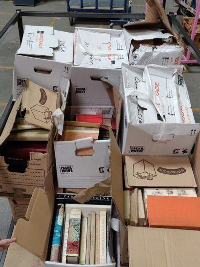 18 cartons de livres - divers.