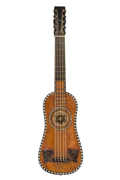 Rare guitare d'enfant faite à Paris dans...