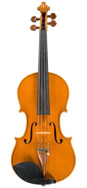 Intéressant violon fait à Crémone par Stefano...