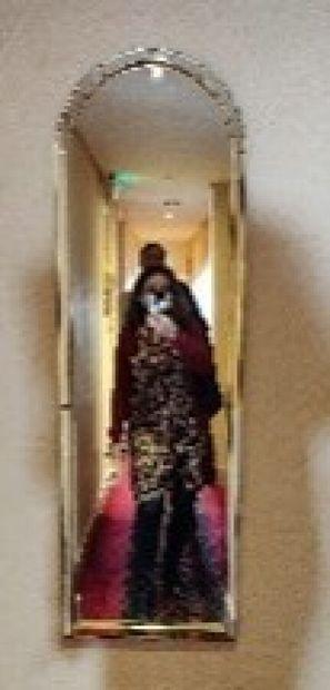 Miroir cintré  H.: 127 cm; L.: 40 cm...