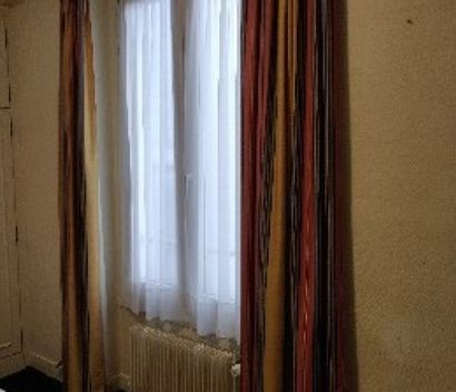 Deux paires de rideaux en toile enduite,...