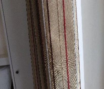 Paire de rideaux à rayures noir, rouge, blanc,...