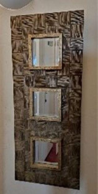 Miroir triple en résine, cadre à damiers...