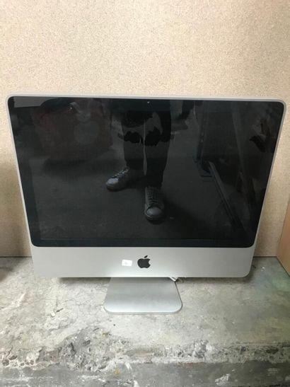 *Un ordinateur fixe APPLE  Diagonale: 54cm...