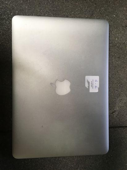 *Un macbook air modèle A1466 série FVFV4K0CJ1WL,...