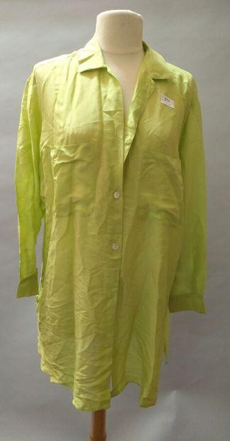 Chemise longue en soie de couleur vert citron....
