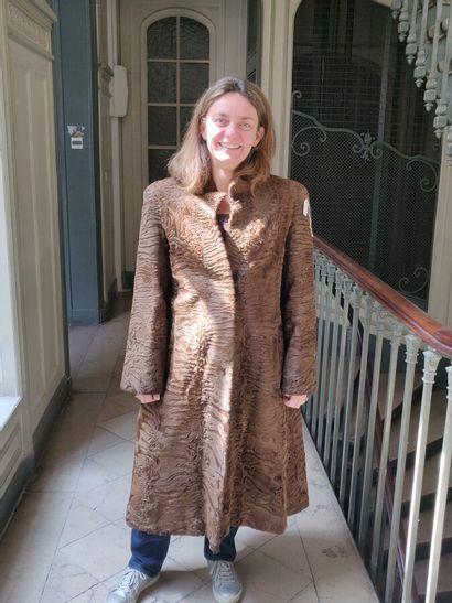 Manteau en Astrakan brun