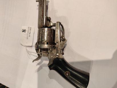 Revolver à broche Cal. 5.5. Carcasse gravée....