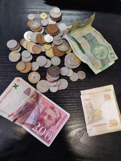 Lot de pièces et billets