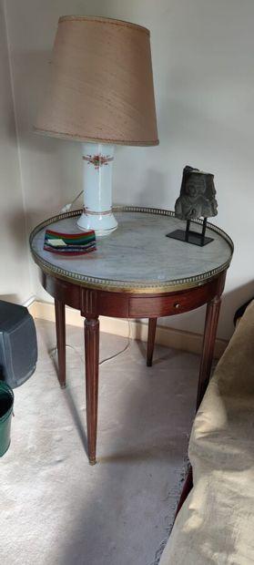 Table bouillotte en bois naturel, dessus...