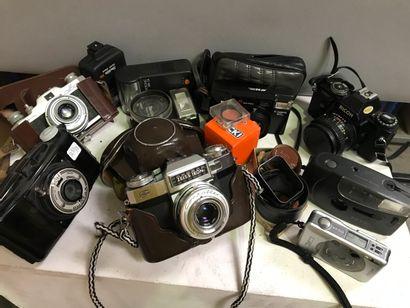 Appareil et accessoires photographiques....