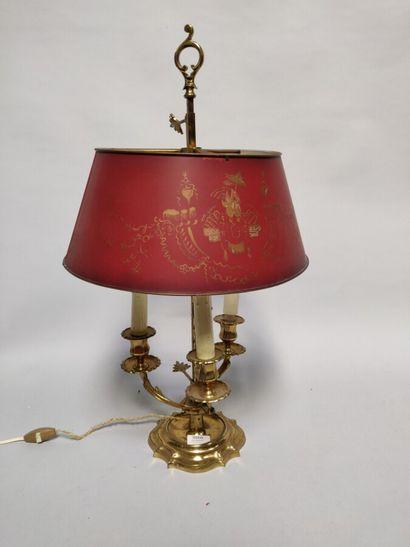 Lampe bouillotte, à trois lumières.  Abat-jour...