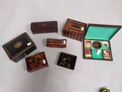 Lot de 7 coffrets XIXe dont boîte à jeux...