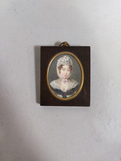 Miniature «Femme au bonnet» XIXe siècle....