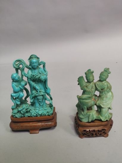 CHINE : Petit groupe en pierre sculpté verte...