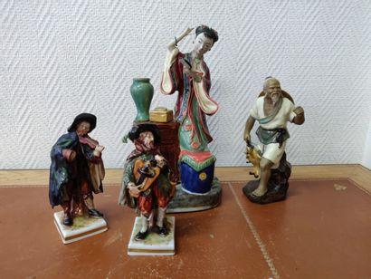 Lot: Deux sujets porcelaine «musiciens»,...