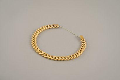 132. Bracelet en or jaune 750/1000e à maillons...
