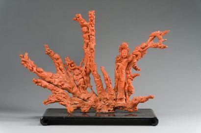 168. CHINE  Important groupe en corail orange...