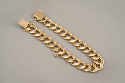 99. Bracelet en or jaune 18 carats (750/1000e)...