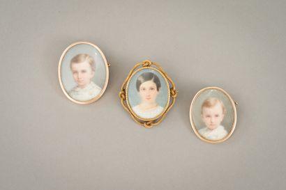 175. Trois miniatures ovales représentant...